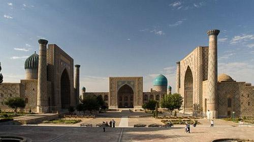 La Plaza de Registan en Uzbekistán