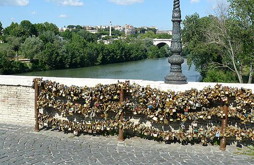 Puente Milvio en Roma